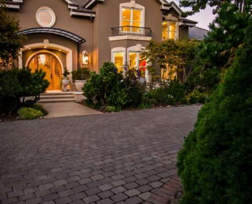 driveway leading up to view of house
